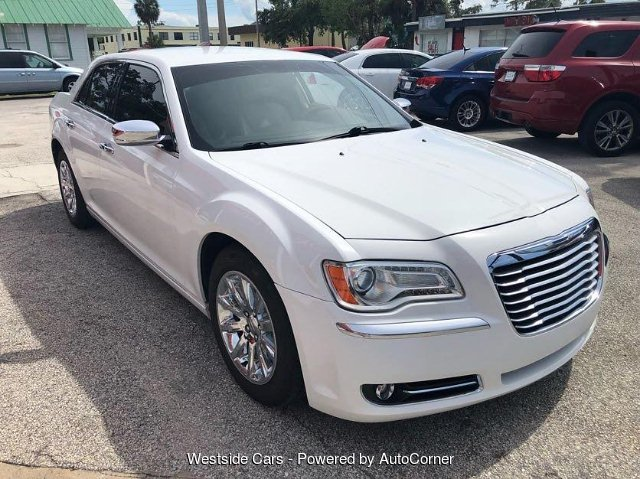 2013 Chrysler 300 C RWD 5-Speed Automatic