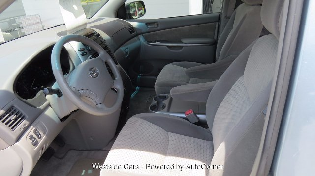2008 Toyota Sienna LE FWD 8-Passenger Seating 5-Speed Automatic
