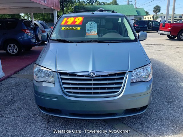 2009 Chrysler Town & Country Touring 6-Speed Automatic