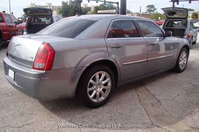 2007 Chrysler 300 Touring 4-Speed Automatic